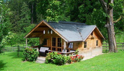 dom drewniany zalety i koszty