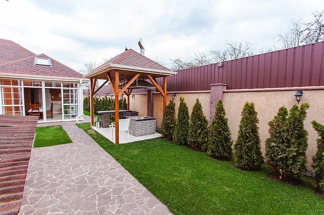 domek letniskowy z ogródkiem