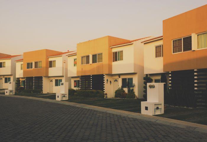 jakie domy budują Polacy trendy